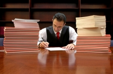 lawyer_signing